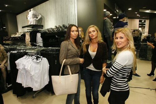 В Sky Mall открылся первый в Украине магазин New Look
