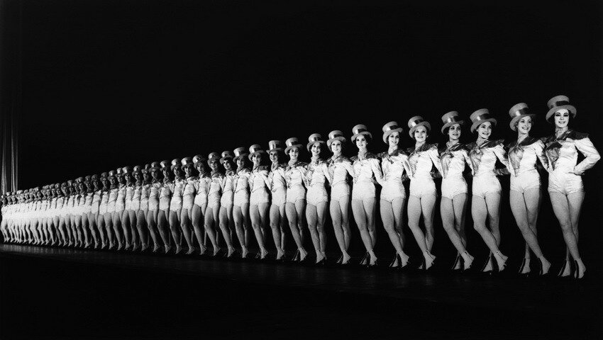 The Rockettes at Radio City Music Hall, 1937  Манхэттен.