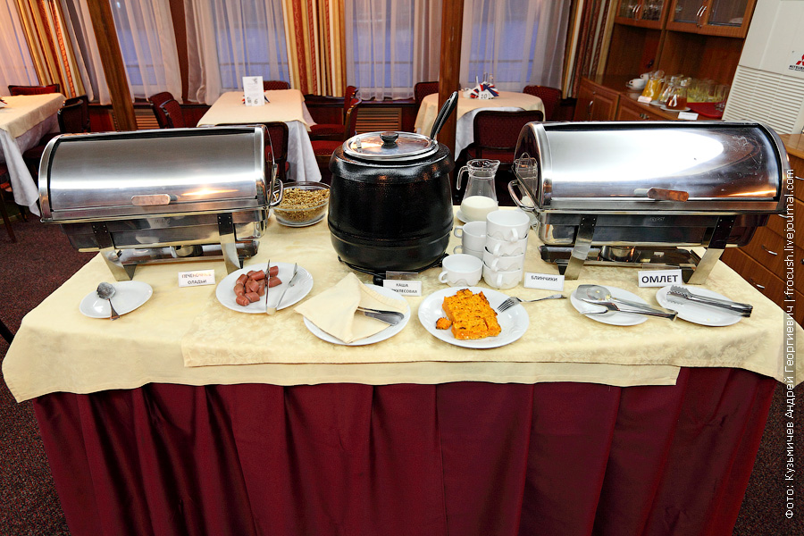 На теплоходах «Инфофлота» завтрак — шведский стол