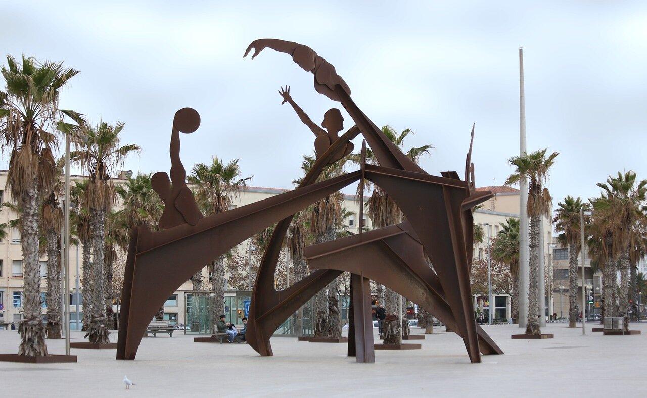 Барселона. Памятник купльщикам (Homenaje a la natación)