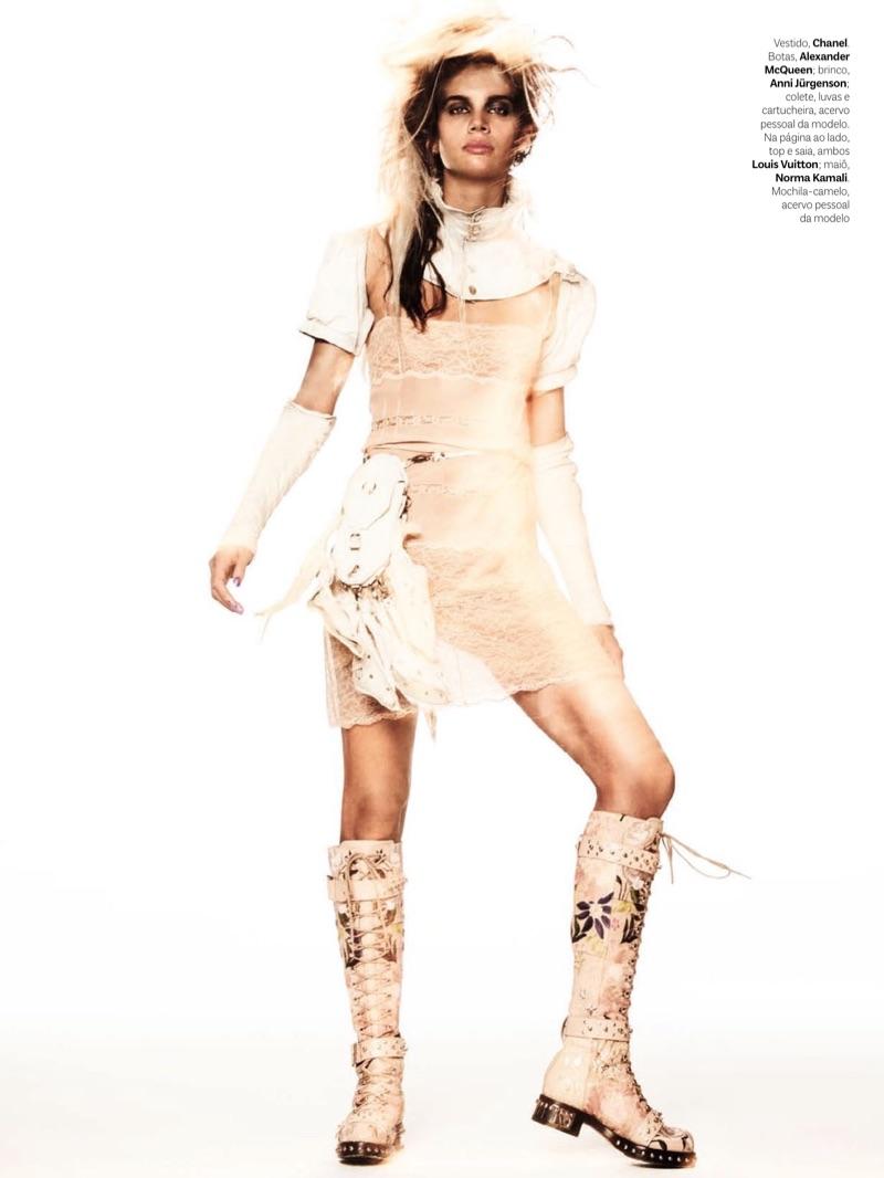 Сара Сампайо на обложке Vogue Brazil