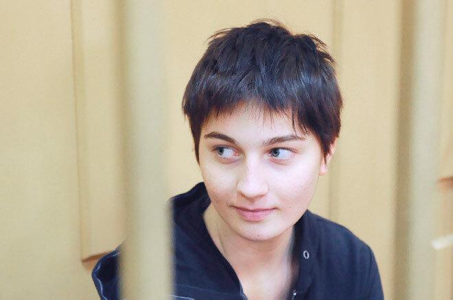 Слушания в Басманном суде по делу 18-летней участницы беспорядков А.Духаниной