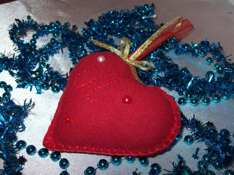 Сердце из флиса - ярко-красный,флисовое сердце,сувенир,подарок,игрушка