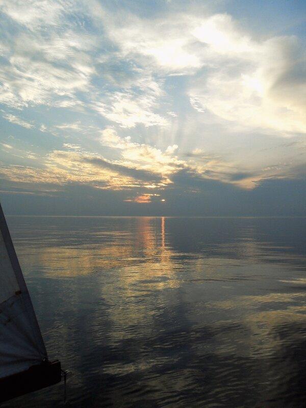 В море на закате