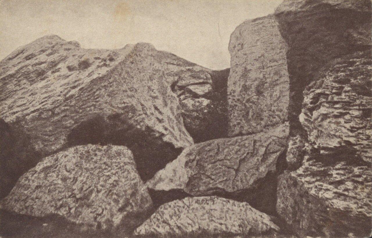 Скалы на горе Девичьей горе