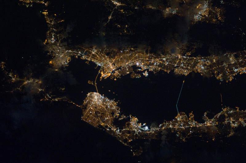черный мрамор фото из космоса приходится