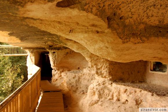 монастырь Аладжа в Болгарии