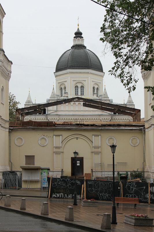 Разборка советских перекрытий на Ивановском монастыре