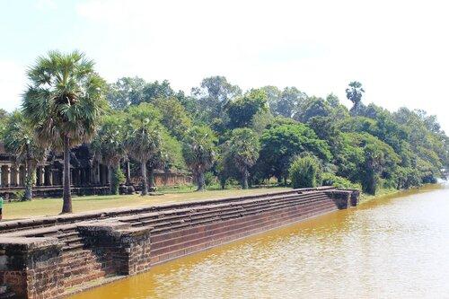 Лестница к каналу