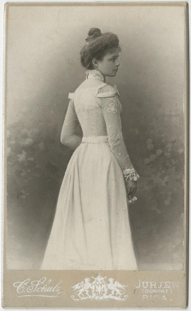 1900-е. Елизавета Кологривова в белом платье