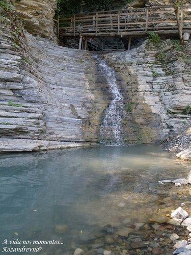 нижняя ступень водопада Псыдах