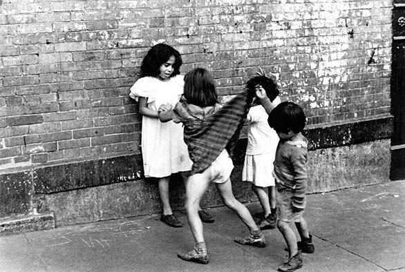 Street photographer Helen Levitt New York, 1942