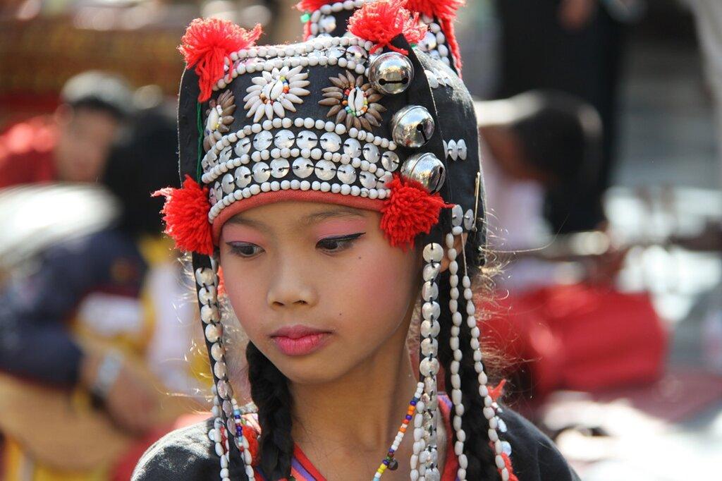 Девушка племени акха