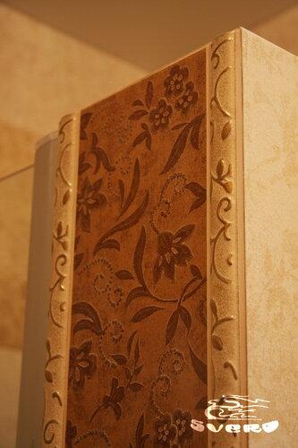 облицовка откоса стены, подрезка плитки и фриза под угол 45 градусов