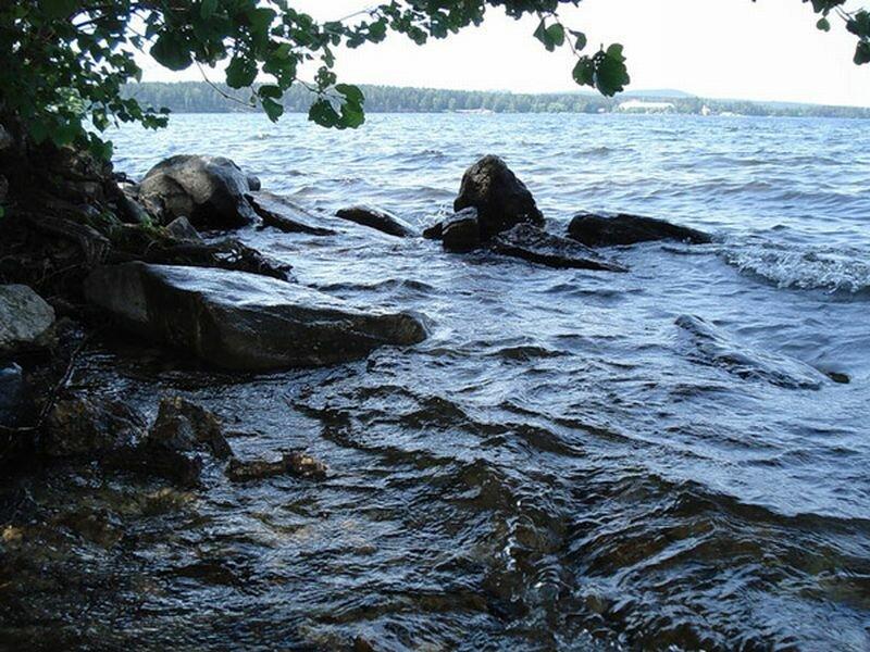 волны на озере Синара (16.09.2013)