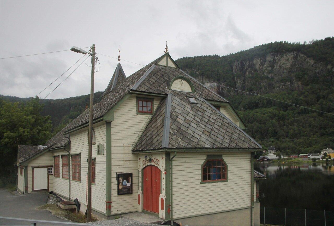 Норвегия, долина реки Стейнсдалселва. Steinsdalselva, Norway