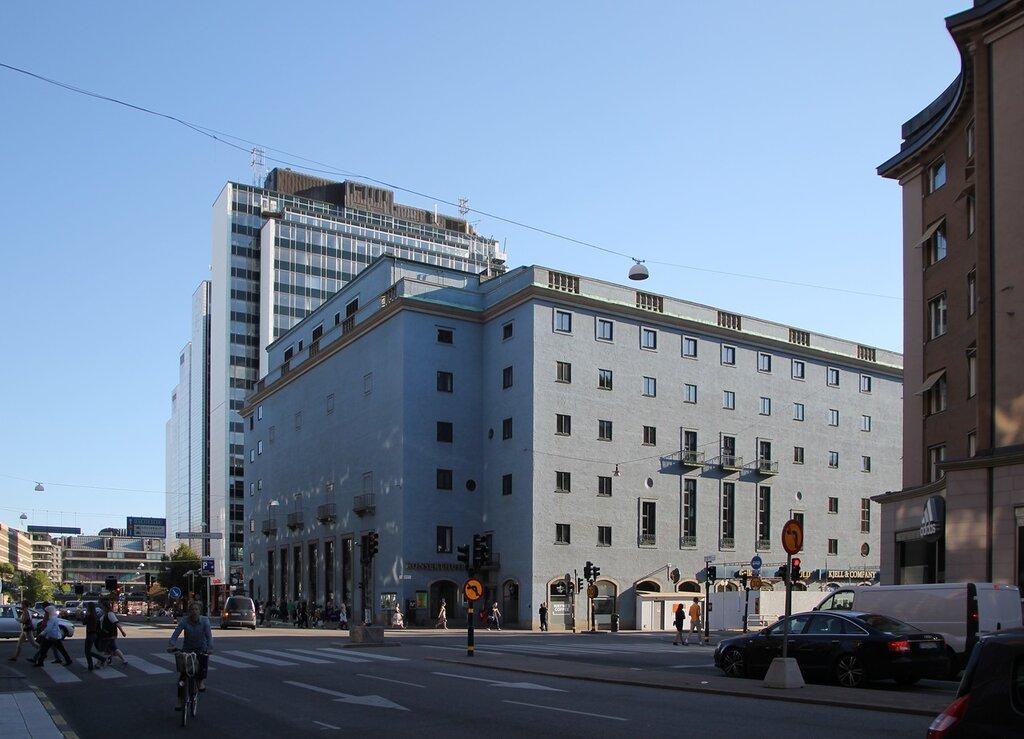 Стокгольм, Свеаваген. Stockholm, Sveavägen,Стокгольмский концертный зал Konserthuset,