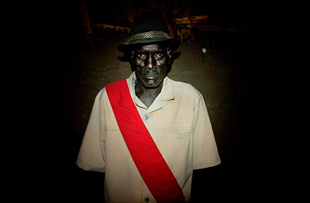 9. Старейшина племени динка Денг Чоул Падол в городе Кхорфулус. (AP Photo/Pete Muller)