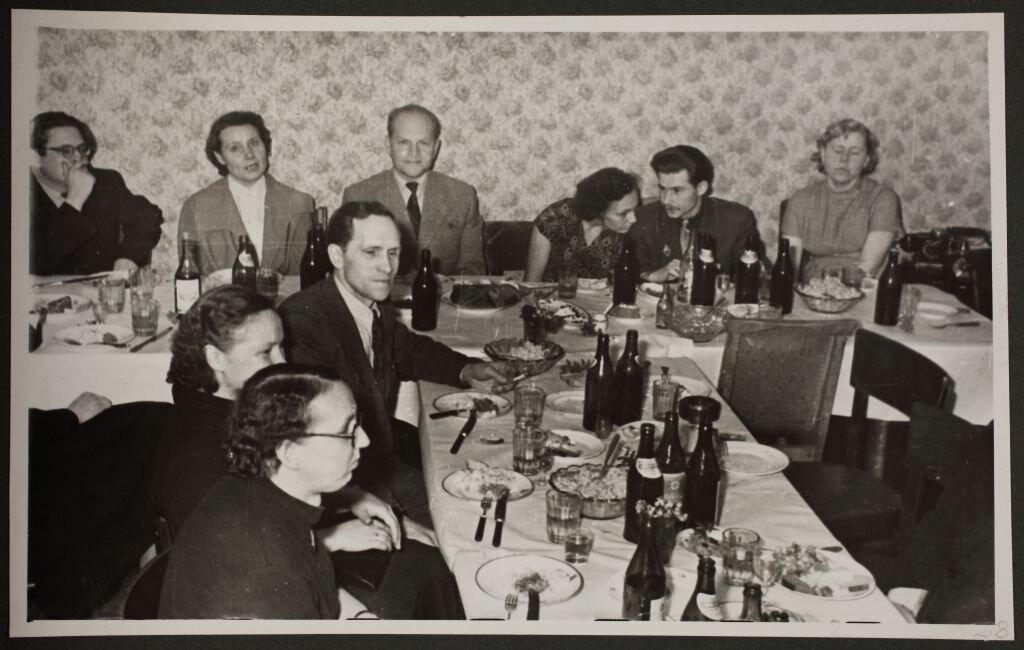 1958. Новогоднее застолье работников таллинского архива