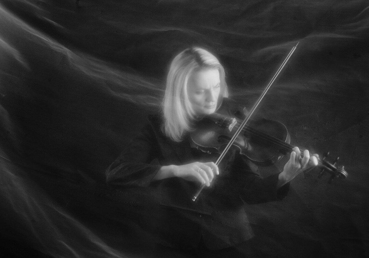фотография скрипачки. фотограф Кузьмин
