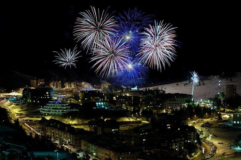 Новогодний фейерверк в Сестриере