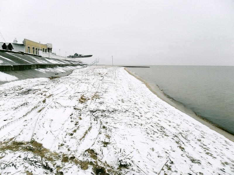 Зима, пляж