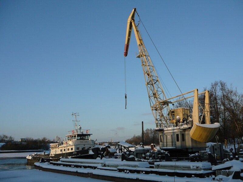 Тепоход Поток тип Плотовод. (http://fleetphoto.ru/ship/2399/)