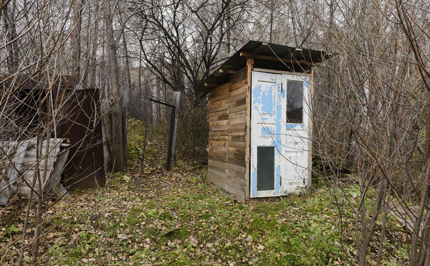 Фото 30. Как попасть к карьерам Курочкин лог, если вы свернули не туда и попали на дачные участки? Пробирайтесь в лес мимо туалета… 1/100, 9.0, 3200, 24.