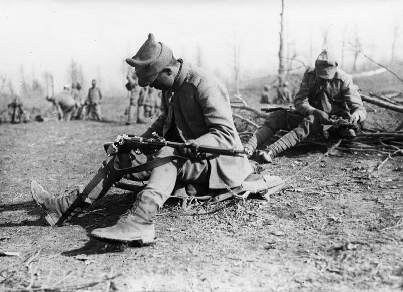 weapon revolution ww1 The industrial revolution during wwi new weapons have caused great casualties to the both opposing forces world war 1.