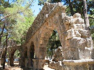 Руины Акведука в Фазелисе, подробнее