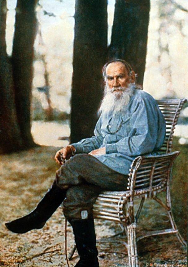 Литография. Л.Н. Толстой с работы Прокудина -Горского. 1908 Lithograph print of Leo Tolstoy in front of Prokudin-Gorsky's camera in Yasnaya Polyana,