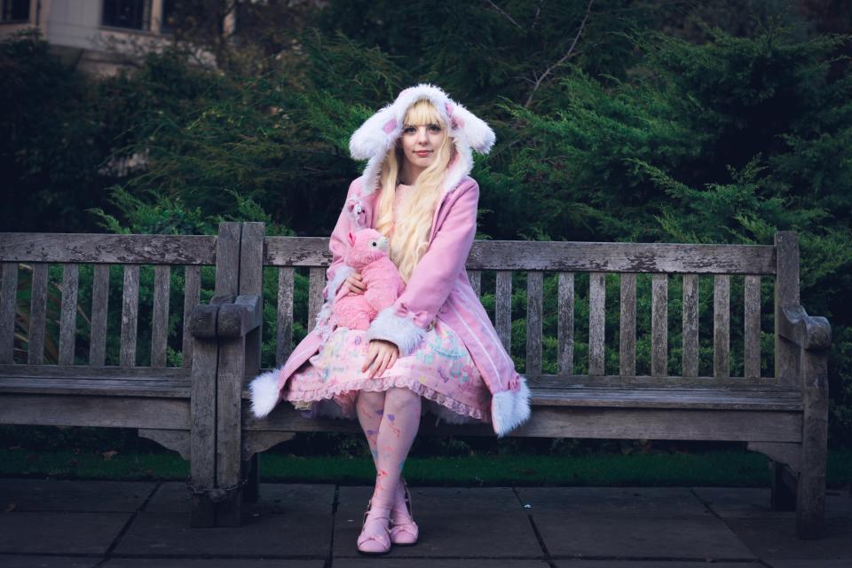 Девушка потратила £20 000, чтобы выглядеть как фарфоровая кукла