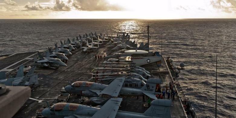 Авианосец способен перевозить огромное количество кораблей