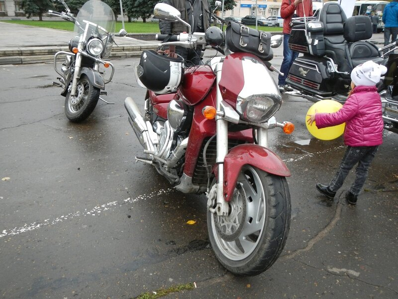 Suzuki Boulevard M109R красного цвета на Театралке в Кирове Dscn4628