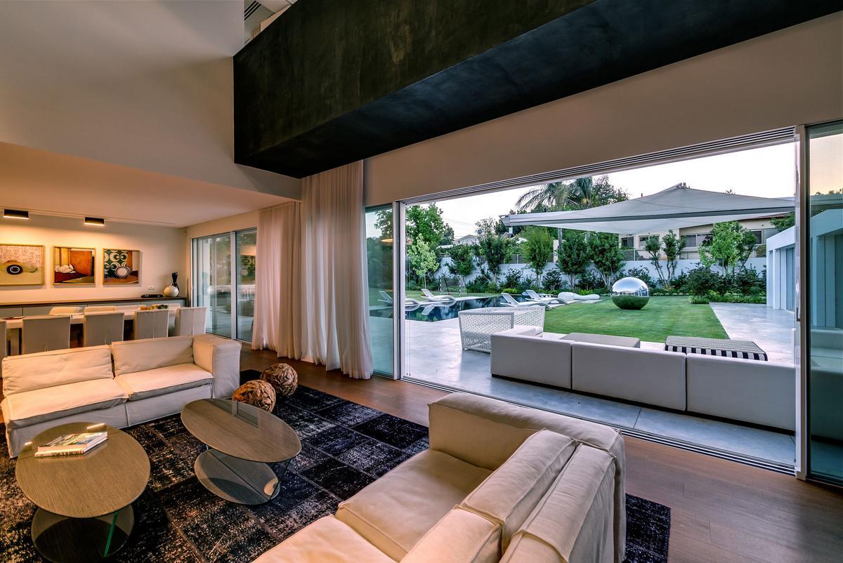 Nestor Sandbank, Armani Casa, частный дом в Рамат-ха-Шарон, особняк в Израиле, ландшафтный дизайн частного дома, элитная недвижимость смотреть