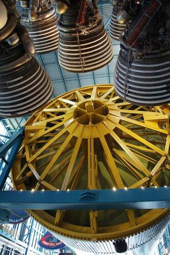 1 и 2 ступени ракеты Сатурн 5