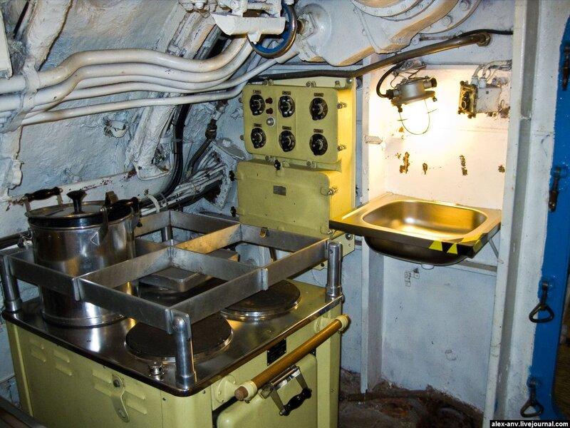 Подводная лодка С-189. Четвёртый отсек - камбуз.