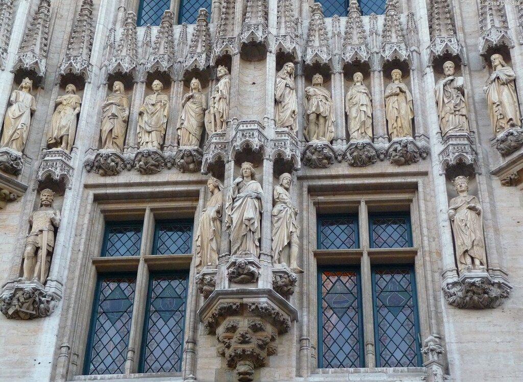 Скульптуры фасада Ратуши.