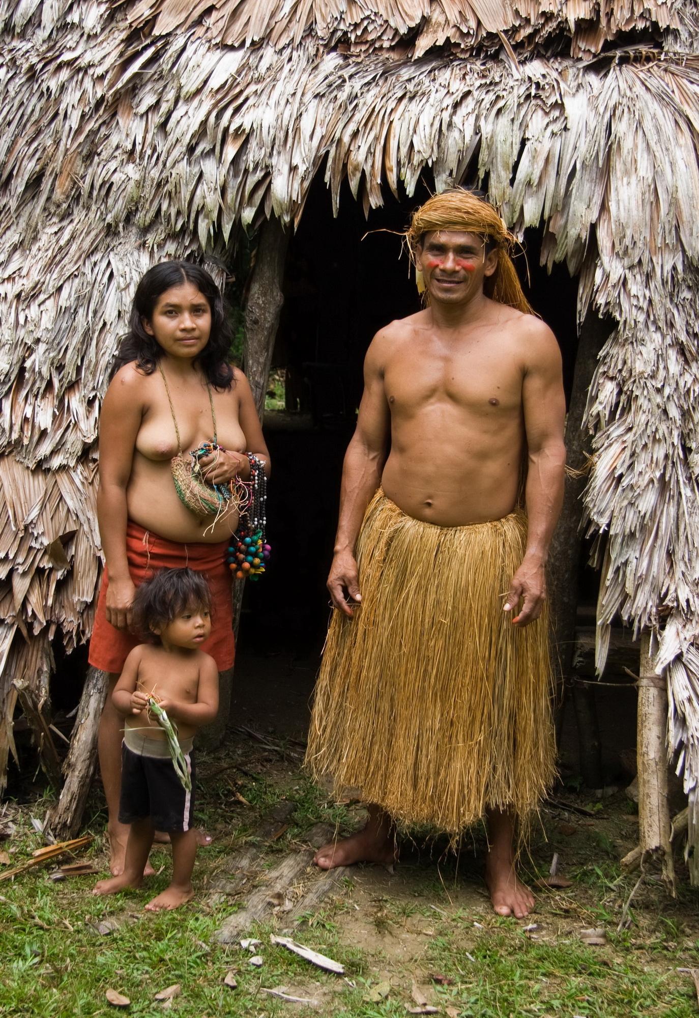Фото девушек из диких племен 22 фотография