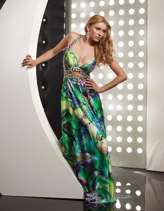 Красивые девушки, дизайнерские платья