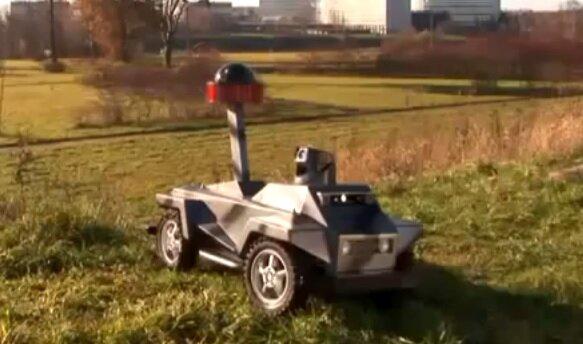 Робот для видеонаблюдения и охраны порядка