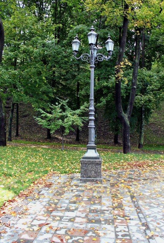 Парковый фонарь на Владимирской горке
