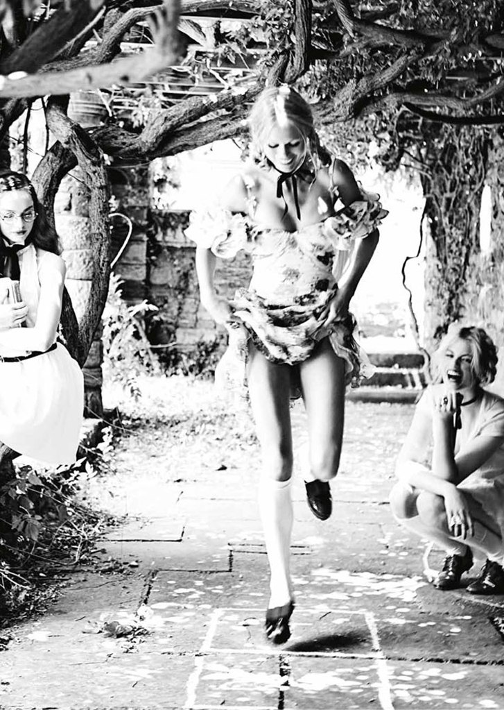 Девочки играют / Girl Games by Ellen von Unwerth in Vs. Magazine fall/winter 2013/14