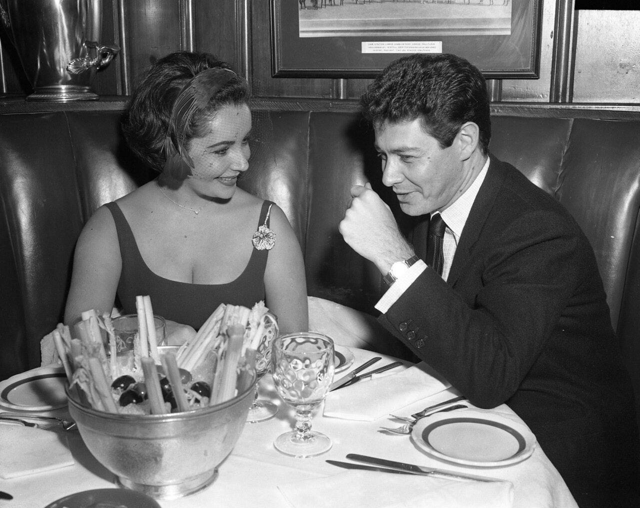 1950. Эдди Фишер (папаша принцессы Леи) с Элизабет Тейлор