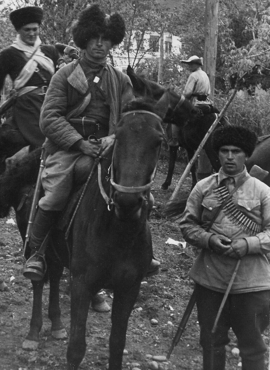 1942. Терские казаки из отрядов самообороны.