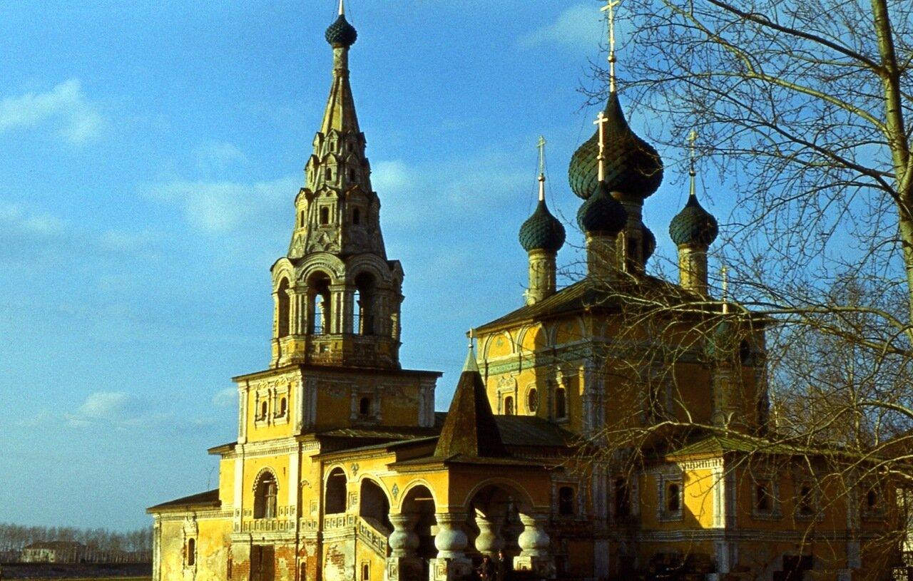 5.  Церковь Рождества Иоанна Предтечи и колокольня