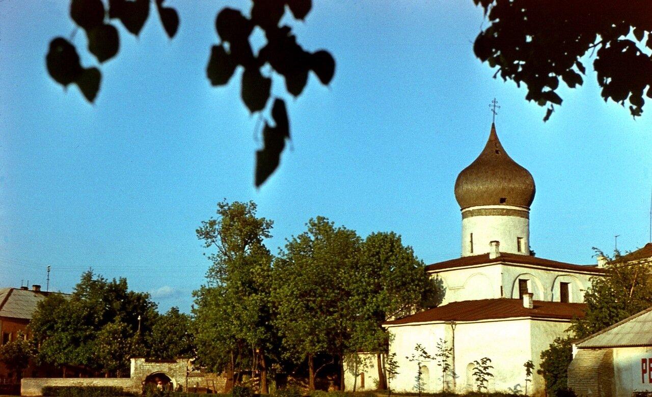 Псков. 1. Церковь Михаила Архангела