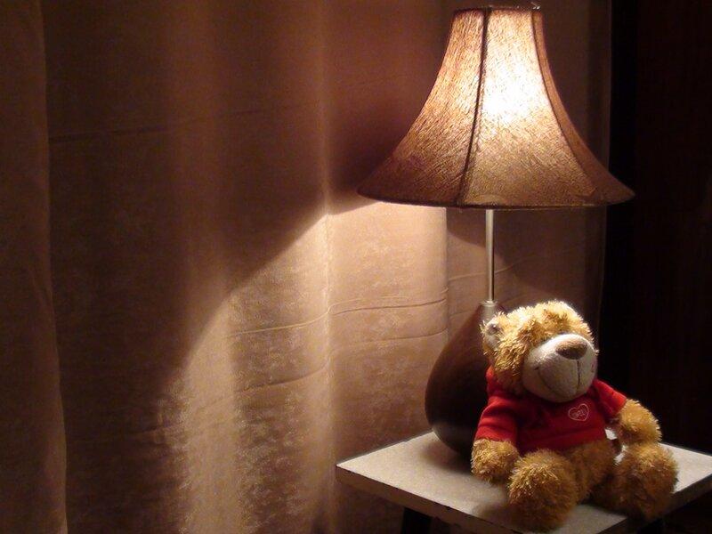 Я под лампочкой сижу :)