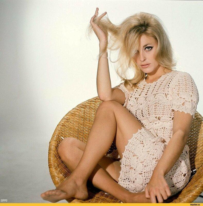 Sharon-Tate-актриса-ретро-длиннопост-2901605.jpeg