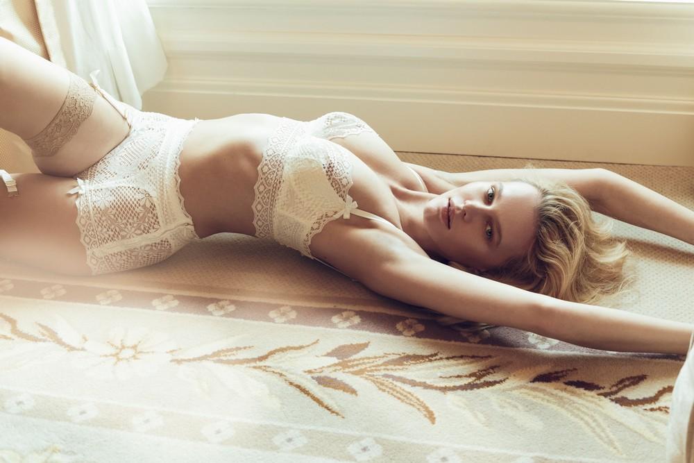 Алиция Ручала в сексуальном белье